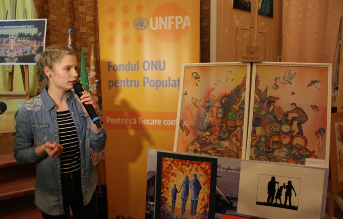 "Doina Brodescu and her painting ""The way to gender equality"""